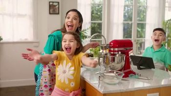 Kohl's TV Spot, 'Mother's Day: Gifts and Kohl's Cash' Song by Oh, Hush! - Thumbnail 5