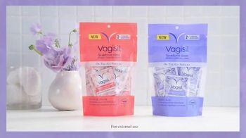 Vagisil Scentsitive Scents Cleansing Cloths TV Spot, 'Petite and Neat' - Thumbnail 3