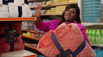 Big Lots TV Spot, 'Bigionaire: BOGO Big' Featuring Retta - Thumbnail 3