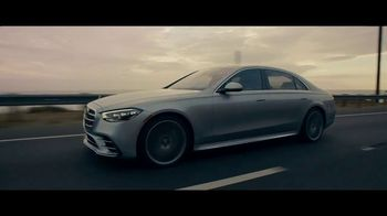 Mercedes-Benz S-Class TV Spot, 'Thinking' Featuring Alicia Keys [T1] - Thumbnail 4