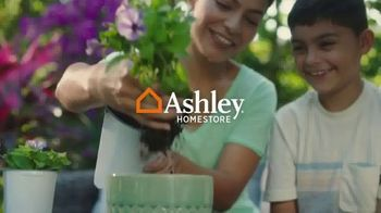 Ashley HomeStore TV Spot, 'Lowest Prices of the Season Event: Bed, Dining & Sofas: 0%' - Thumbnail 1