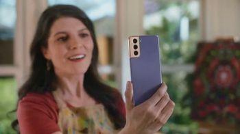 Samsung Galaxy S21 5G TV Spot, 'Mamá se merece lo mejor' [Spanish]
