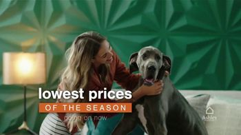 Ashley HomeStore TV Spot, 'Lowest Prices of the Season: Queen Bed and Save $1,000' - Thumbnail 3