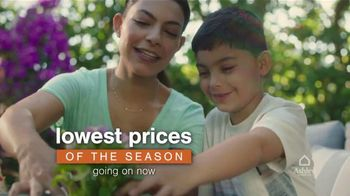 Ashley HomeStore TV Spot, 'Lowest Prices of the Season: Sofa and Dining Set' - Thumbnail 3