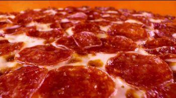 Little Caesars Pizza EXTRAMOSTBESTEST Thin Crust TV Spot, 'Tímida' [Spanish]