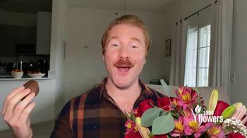 1-800-FLOWERS.COM TV Spot, 'Make Birthdays Even Sweeter' - Thumbnail 10