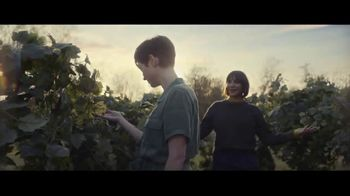Expedia TV Spot, 'All By Myself' Featuring Rashida Jones - Thumbnail 10