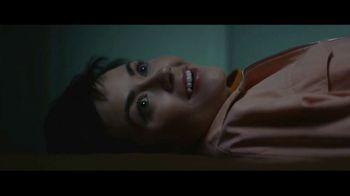 Expedia TV Spot, 'All By Myself' Featuring Rashida Jones - Thumbnail 5