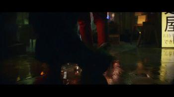 Expedia TV Spot, 'All By Myself' Featuring Rashida Jones - Thumbnail 7