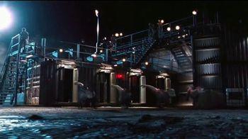 Universal Orlando Resort VelociCoaster TV Spot, 'Apex Predator of Coasters' - Thumbnail 2