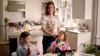 Macy's Friends & Family TV Spot, 'Perfect Gift for Mom' - Thumbnail 5
