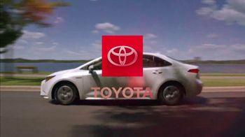 Toyota Corolla Hybrid TV Spot, 'Dear Experts' [T1] - Thumbnail 10