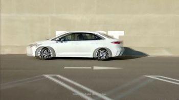 Toyota Corolla Hybrid TV Spot, 'Dear Experts' [T1] - Thumbnail 3