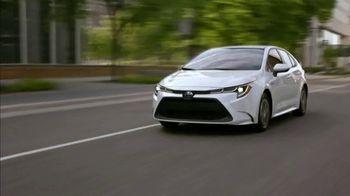 Toyota Corolla Hybrid TV Spot, 'Dear Experts' [T1] - Thumbnail 7