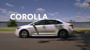 Toyota Corolla Hybrid TV Spot, 'Dear Experts' [T1] - Thumbnail 9
