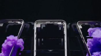 Apple iPhone 12 TV Spot, 'Mmmmm, Purple' Song by Aubrey Woods - Thumbnail 4