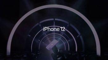 Apple iPhone 12 TV Spot, 'Mmmmm, púrpura' canción de Aubrey Woods [Spanish] - Thumbnail 8