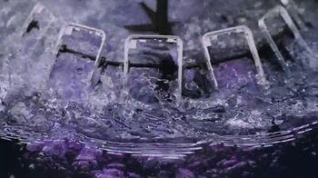 Apple iPhone 12 TV Spot, 'Mmmmm, púrpura' canción de Aubrey Woods [Spanish] - Thumbnail 3