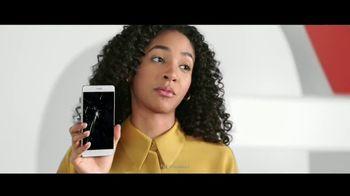 Verizon TV Spot, 'No One Likes Living With a Broken Phone: $800 Off' - Thumbnail 1