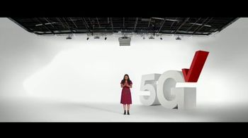 Verizon TV Spot, 'No One Likes Living With a Broken Phone: $800 Off' - Thumbnail 2