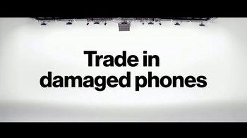 Verizon TV Spot, 'No One Likes Living With a Broken Phone: $800 Off' - Thumbnail 5