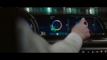 Cadillac Lyriq TV Spot, 'Lighting the Way' Song by DJ Shadow, Run the Jewels [T1] - Thumbnail 4