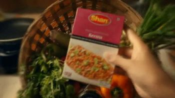 Shan Foods Keema TV Spot, 'Living on the Veg: Soya Keema Pav' - Thumbnail 3