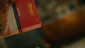 Shan Foods Keema TV Spot, 'Living on the Veg: Soya Keema Pav' - Thumbnail 5