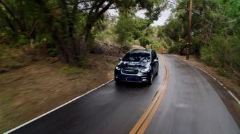 2021 Chrysler Pacifica Plug-In Hybrid TV Spot, 'Protect Your World' [T2] - Thumbnail 5