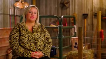 Discovery+ TV Spot, 'Pig Royalty' - Thumbnail 4