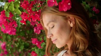 True Botanicals Chebula Active Serum TV Spot, 'Breakthrough' Ft. Laura Dern, Olivia Wilde - Thumbnail 5