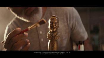 Michelob ULTRA TV Spot, 'Smiling Peyton Tap Handle'