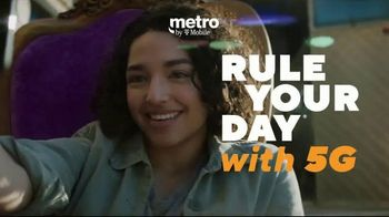 Metro by T-Mobile TV Spot, 'Big 5G Upgrade: Unlimited for $25 Per Month, Free Galaxy 5G' - Thumbnail 9