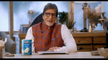 Bikaji Gol-Matol TV Spot, 'Video Call' Featuring Amitabh Bachchan - Thumbnail 4