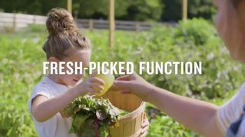 Duluth Trading Company Gardening Collection TV Spot, 'Comfort by Bushel' Song by Assaf Ayalon - Thumbnail 5