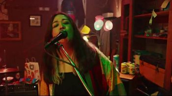7-Eleven TV Spot, 'Take It to Eleven With 24/7 Delivery: $5 Large Pizza' Featuring Yip Yops - Thumbnail 4