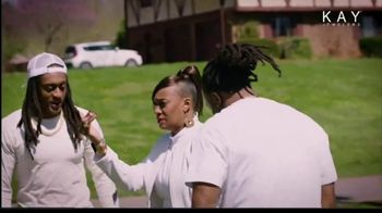 Kay Jewelers TV Spot, 'Mama's Boys' Featuring Tremaine Edmunds, Trey Edmunds - Thumbnail 5