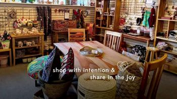 Ten Thousand Villages TV Spot, 'Products and Stories' - Thumbnail 7