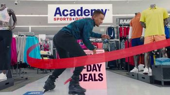 Academy Sports + Outdoors All For Mom TV Spot, '4-Day Deals' - Thumbnail 3