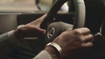2021 Lexus LS TV Spot, 'School Bus' [T1] - Thumbnail 5