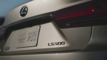2021 Lexus LS TV Spot, 'School Bus' [T1] - Thumbnail 8