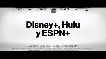 Verizon TV Spot, 'Disney+: compre un teléfono y llévate otro' [Spanish] - Thumbnail 2