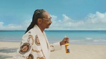 Corona Extra TV Spot, 'Friends' Featuring Snoop Dogg, Bad Bunny, Song by Whodini - Thumbnail 2