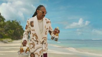 Corona Extra TV Spot, 'Friends' Featuring Snoop Dogg, Bad Bunny, Song by Whodini - Thumbnail 3