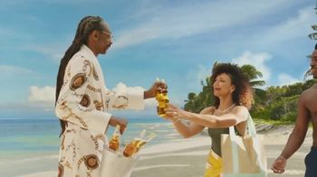 Corona Extra TV Spot, 'Friends' Featuring Snoop Dogg, Bad Bunny, Song by Whodini - Thumbnail 5