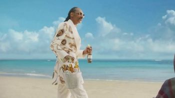 Corona Extra TV Spot, 'Friends' Featuring Snoop Dogg, Bad Bunny, Song by Whodini - Thumbnail 6