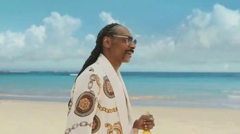 Corona Extra TV Spot, 'Friends' Featuring Snoop Dogg, Bad Bunny, Song by Whodini - Thumbnail 8