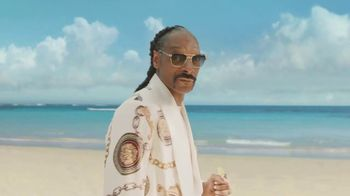 Corona Extra TV Spot, 'Friends' Featuring Snoop Dogg, Bad Bunny, Song by Whodini - Thumbnail 9