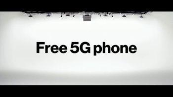 Verizon TV Spot, 'The Only Thing Better: BOGO on 5G Phones' - Thumbnail 3