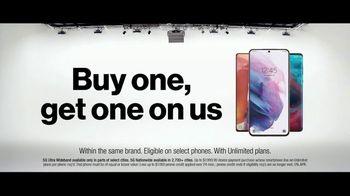 Verizon TV Spot, 'The Only Thing Better: BOGO on 5G Phones' - Thumbnail 6